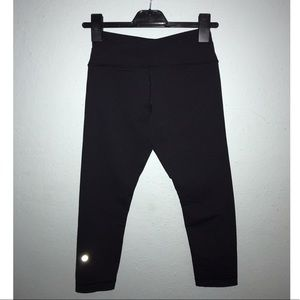 Black Lululemon Athletica Capri Leggings